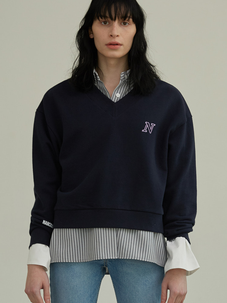 MONTAGE V-NECK SWEATSHIRT_navy