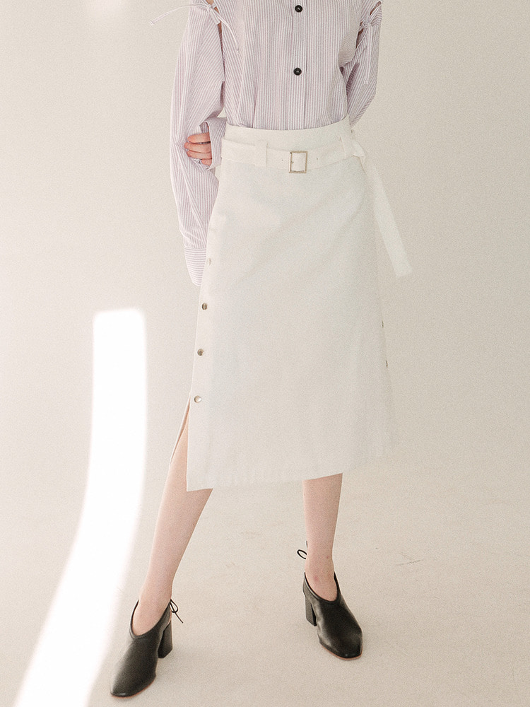 MINUTE MIDI SKIRT_white